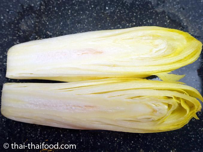 ข้างในผักชิโครี่สีขาว
