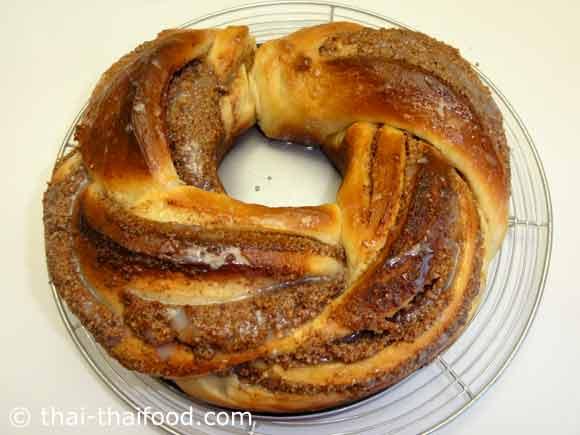 ขนมปังเฮเซลนัทพักให้เย็น