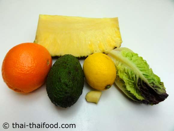 เลือกสับปะรด อะโวคาโด ผักกาดหอมหัวใจ ส้ม ขิง เลมอน เตรียมไว้