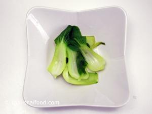 ลวกผักกวางตุ้ง