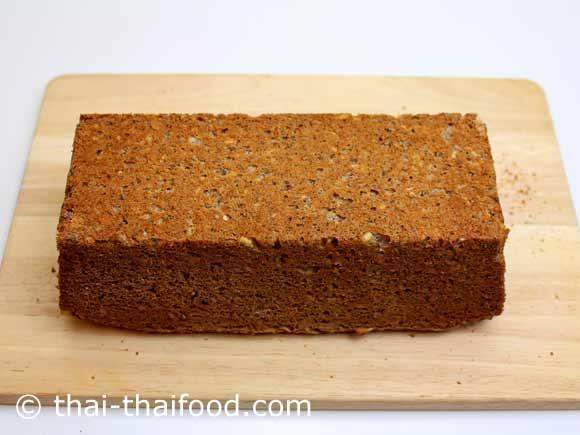 นำขนมปังบัควีทโฮลวีทออกจากพิมพ์พักให้เย็นตัวลง