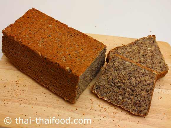 จัดเสิร์ฟ ขนมปังบัควีทโฮลวีท
