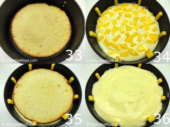 นำเค้กประกบใส่ครีมชีสและมะม่วงหั่นชิ้นในแต่ละชั้นของตัวเค้ก