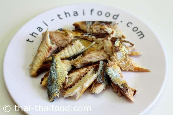 แกะเนื้อปลาทูออก