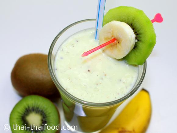 น้ำกีวีกล้วยโยเกิร์ตปั่น พร้อมจัดเสิร์ฟ