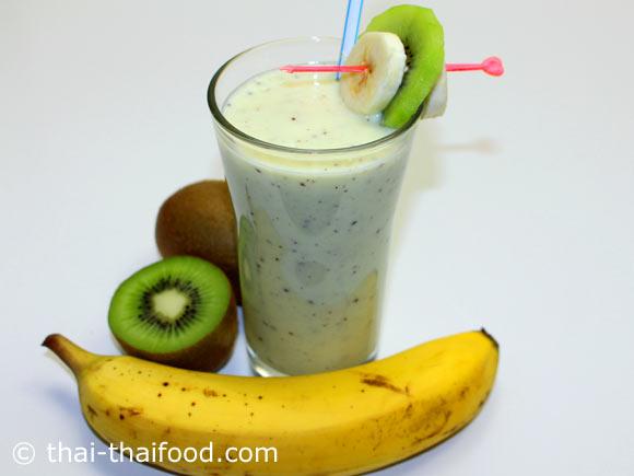จัดเสิร์ฟ น้ำกีวีกล้วยโยเกิร์ตปั่น