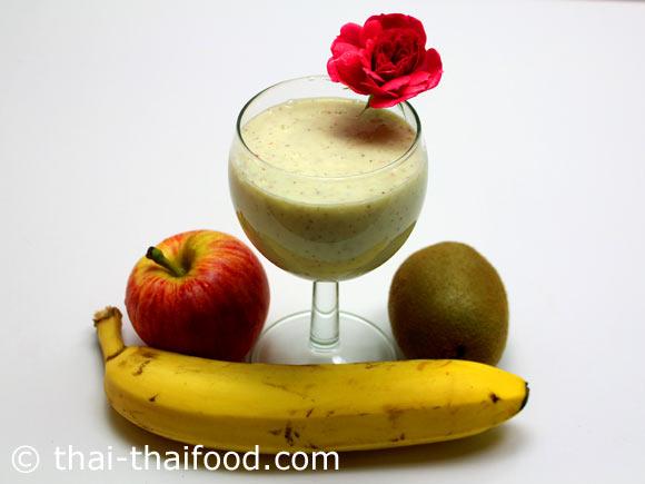 จัดเสิร์ฟ น้ำกล้วยกีวีแอปเปิ้ลโยเกิร์ตปั่น