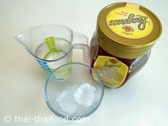 เตรียมน้ำผึ้งน้ำแข็งน้ำเปล่า
