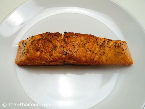 สเต็กปลาแซลมอนย่างสุกพอดี