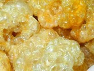 กากหมู กรุบกรอบๆ พองๆ รสชาติกลมกล่อมหอมอร่อย สีเหลืองสวยงาม