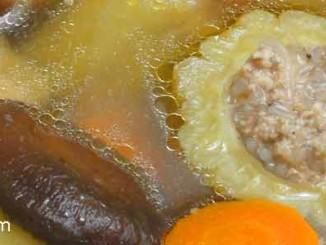 ต้มจืดมะระยัดไส้