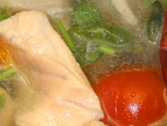 ต้มยำปลาแซลมอน