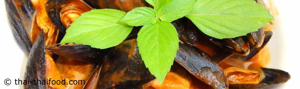 หอยแมลงภู่ในซอสมะเขือเทศ
